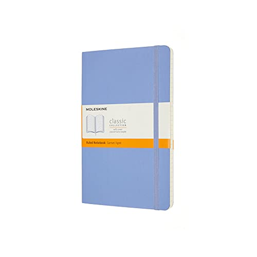 Moleskine - Cuaderno Clásico con Hojas de Rayas, Tapa Blanda y Cierre con Goma Elástica, Tamaño Grande 13 x 21 cm, Color Azul Hortensia, 240 páginas