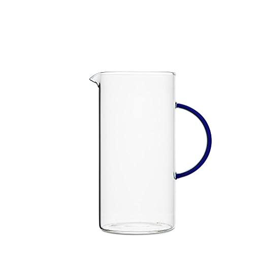 BY ON Jarra de agua Vincent de cristal, 10 x 16 x 20 cm, jarra de agua con mango azul, jarra de agua para zumos, batidos, té helado, limonada u otras bebidas refrescantes