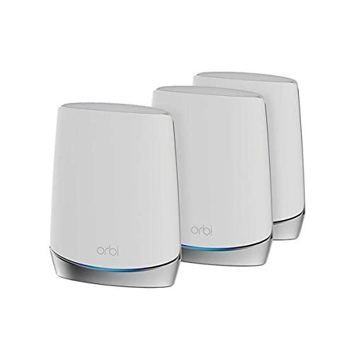 NETGEAR Orbi RBK753S Sistema WiFi de malla de alto rendimiento para todo el hogar, paquete de 3 incluye 1 enrutador y 2 satélites, color blanco
