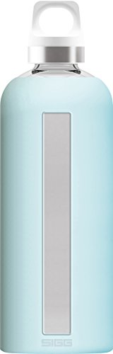 SIGG Star Glacier Botella cantimplora (0.85 L), botella hermética sin sustancias nocivas, botella de vidrio resistente al calor con funda de silicona