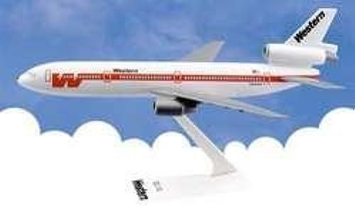 DC-10-30 Western (Weiß) 1 250 by DARON WORLDWIDE