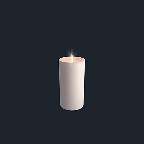 Piffany Copenhagen UYUNI Lighting LED-kaars met gepatenteerde flikkerende vlam, elegant en minimalistisch design, wasbasis 7,8 x 17 cm Ivory Pillar Shoulder.
