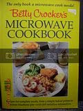 Paperback Betty Crocker's Microwave Cookbook Book