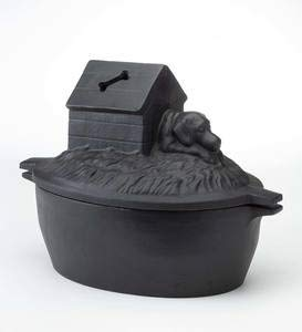 """Plow & Hearth Dog in House with Bone Cast Iron Wood Stove Steamer Air Humidifier with Rust-Resistant Matte Black Finish, 2¾ Quart Capacity, 12"""" L x 7"""" W x 8"""" H"""