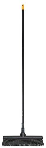 Fiskars Solid Allzweckbesen mit PowerClean-Borsten, Länge: 1,7 m, L, Schwarz/Orange, 1025926