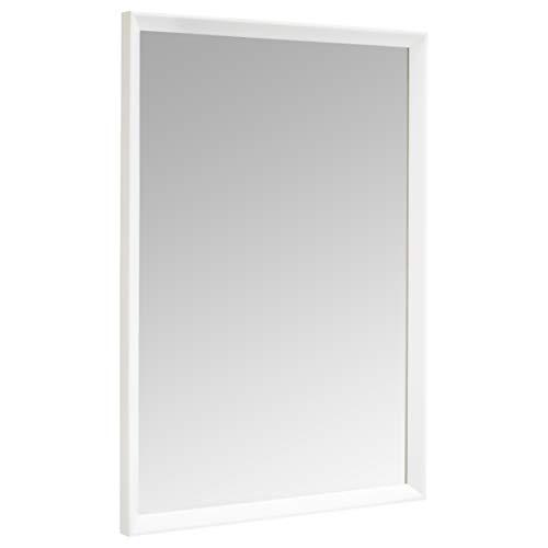 Amazon Basics Espejo para pared rectangular, 50,8 x 71,1 cm - marco biselado, blanco