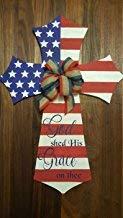 Ral454ick Türaufhänger Patriotische amerikanische Flagge, Kreuz mit Aufschrift God Shed His Grace on Thee, mit roter, weißer und Blauer Jute Schleife, Holzkreuz, God Bless America 830151