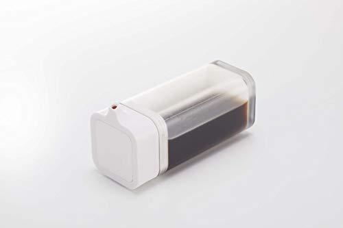 容器は半透明なので中身や残量が一目瞭然。スクエア型のシンプルなフォルムで、どんなテイストのインテリアにも馴染みます。