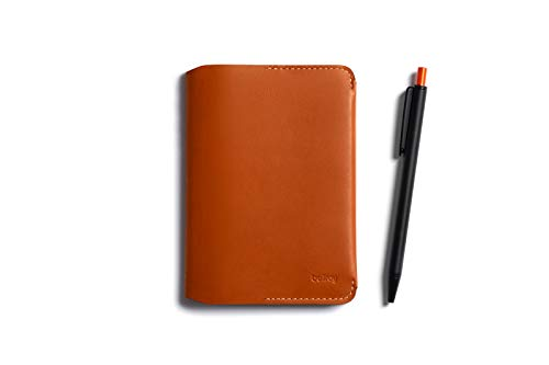 Bellroy Notebook Cover Mini und Notetaker Pen Kombo (Klein Notizbuch, 4-6 Karten, Kugelschreiber) - Caramel