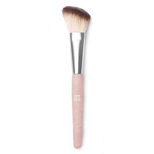 3ina 3INA Makeup - Vegano - Cruelty Free - The Angle Blush Brush - Brocha angular para colorete y polvos - Cerdas suaves y sintéticas - Aplicación precisa de 52 g