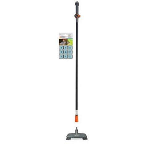 Gardena Bodenwasch-Set: Praktisches Reinigungsset für Terrasse und Garten, enthält Cleansystem Komfort-Schrubber, Wasserstiel und Shampoo (5586-20)