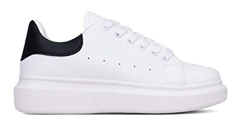 BOSANOVA Zapatillas Blancas con Detalle de Pieza Trasera en Color Negro y Logo Plateado en la lengüeta. Suela Lisa de 4 cm. Cierre con Cordones. Blanco 38