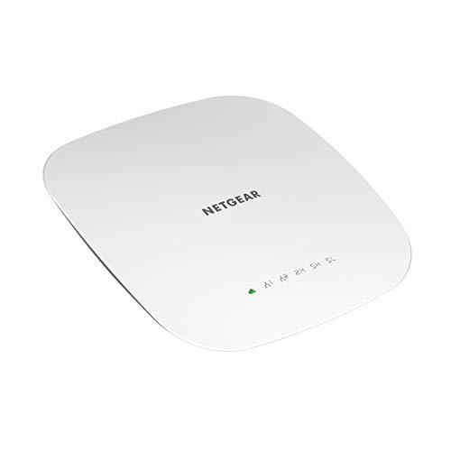 Netgear WAC540 WLAN Access Point (Tri-Band AC3000 Speed, Wave 2 für 600 simultane Clients, 1G LAN Port, 4x4 MU-MIMO, Lokales oder Insight Remote Management, PoE-powered - Netzteil optional)