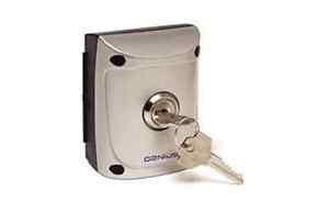 JA31101-15 Quick 1 Selettore a chiave da esterno ad un contatto GENIUS