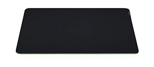 Razer Gigantus V2 – L ゲーミングマウスパッド 布タイプ 中型サイズ 45 cm x 40 cm マイクロウェーブクロス 【日本正規代理店保証品】 RZ02-03330300-R3M1