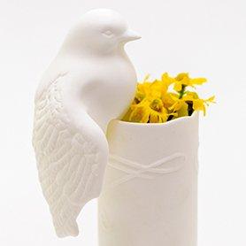 o Living: Wit porseleinen vogeltje om op de vaas te zetten