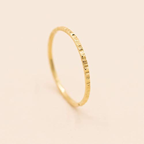 Minimalist Goldring für Frauen, gehämmert. Goldring Damen. Simpler Goldring, Goldschmuck, 18k Gold | Stapelring, Bandring, Damen Stapelring, Ring Damen