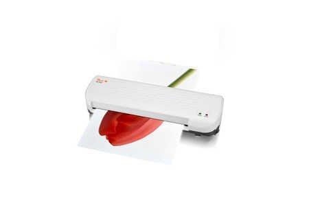 Peach PL707 Heimbüro Laminiergerät DIN-A4 , in wenigen Minuten startklar , geeignet für handelsübliche Folien , 1½ Seiten pro Minute , inkl. 10 Laminierfolien