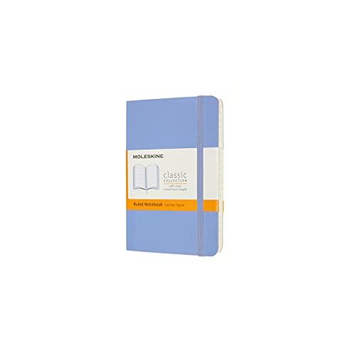 Moleskine - Classic Notebook, Taccuino a Righe, Copertina Morbida e Chiusura ad Elastico, Formato Pocket 9 x 14 cm, Colore Blu Ortensia, 192 Pagine