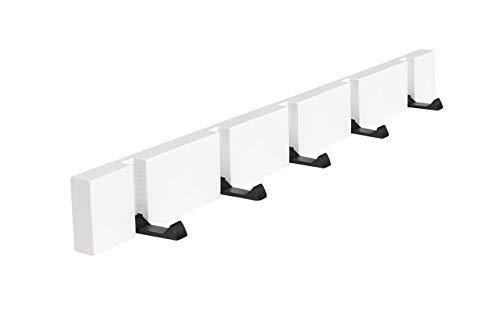 白のベースに黒いフックをつけたおしゃれなウォールハンガー。フックを使わないときは、たたんで収納しておける優れものです。間隔をあけてキャップをかけたいときには、間のフックを収納しておけば、すっきり見せられますよね。  ネジで留めるほか、強力な両面テープでも取り付け可能。賃貸などで、壁に穴があけられないという人にもおすすめのウォールハンガーです。