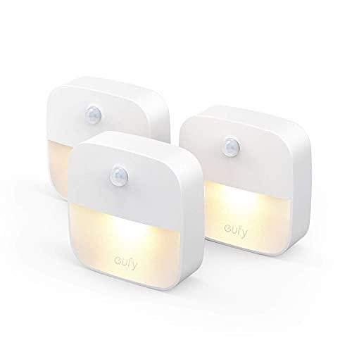 eufy Lumi 3 Pack LED Nachtlicht mit Bewegungssensor, Warmes weißes Licht, Auto ON/OFF, Selbsthaftende Schrankbeleuchtung für Kinderzimmer, Schlafzimmer, Orientierungslicht, Energieeffizient (3 Pack)