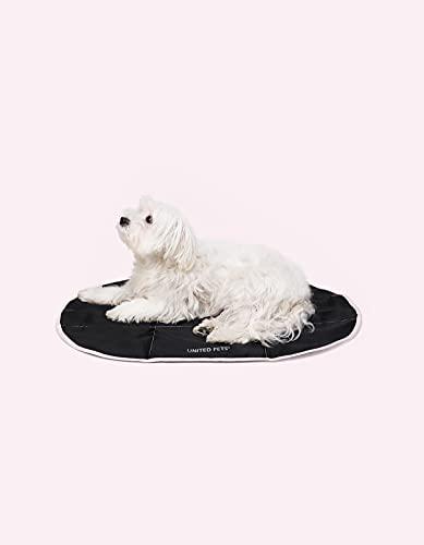 United Pets Lazy Dog Mat – Cama portátil para Perros, Plegable, para Restaurante y de Viaje, Alfombrilla Ligera de Color Negro y Rosa
