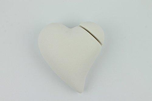 Tafelkaarthouder in hartvorm van porselein