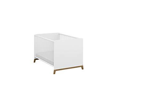 Rauch Möbel Carlsson mitwachsendes Babybett in Weiß, Füße Eiche Massiv, Liegefläche 70x140 cm, inkl. 3-fach höhenverstellbarer Lattenrost, Gesamtmaße BxHxT 80x79x144 cm