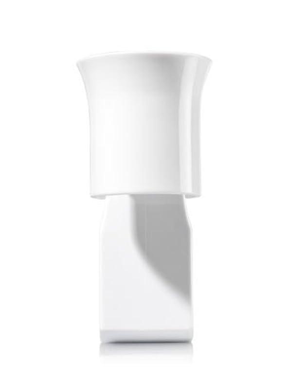 戦艦タクトハードウェア【Bath&Body Works/バス&ボディワークス】 ルームフレグランス プラグインスターター (本体のみ) ホワイトフレアー Wallflowers Fragrance Plug White Flare [並行輸入品]