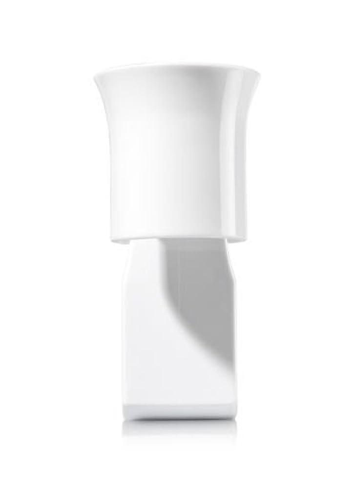 摘む環境保護主義者クランプ【Bath&Body Works/バス&ボディワークス】 ルームフレグランス プラグインスターター (本体のみ) ホワイトフレアー Wallflowers Fragrance Plug White Flare [並行輸入品]