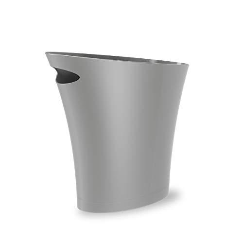 UMBRA Skinny Can. Corbeille Skinny. 7.5L dimension 34x17x33cm. En plastique moulé, coloris gris argenté.