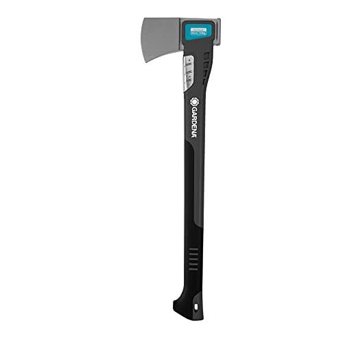 GARDENA hacha universal 1400 A: hacha versátil para diversos trabajos con madera, recubrimiento antiadherente, protección contra impactos, función martillo, 60 cm (8716-48)