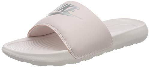 Nike Victori One Slide, Sandal Mujer, Barely Rose/Metallic Silver-Barely Rose, 43 EU