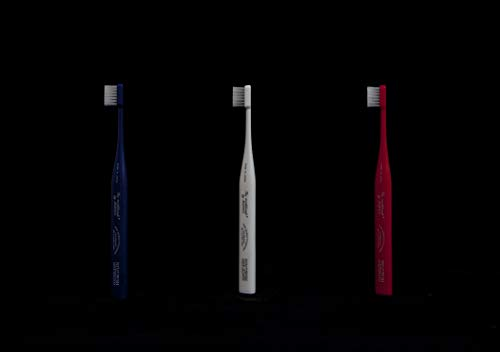 THE TOOTH BRUSH navy