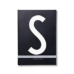 Design Letters Persönliche Notizbuch A5 Schwarz (S) | Gebundene Ausgabe | 146 nummerierte Seiten | holzfreies Papier | einschließlich Farbband-Lesezeichen | erhältlich von A-Z