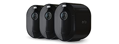 Arlo Pro4 Spotlight, Sistema di videosorveglianza WiFi, Faro e sirena integrati, Sensori movimento, Visione notturna a colori, Audio 2 vie, kit 3 cam 2K HDR, non richiede base Arlo, Nero, VMC4350B