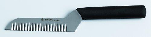 Couteau professionnel à lame ondulee. Noir. Couteau à légumes : carottes, concombres... pour la découpe en tranches ondulées type \