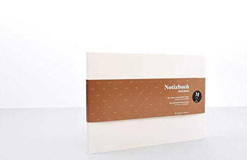 Sencillo cuaderno de notas con páginas perforadas DIN A5, formato apaisado.