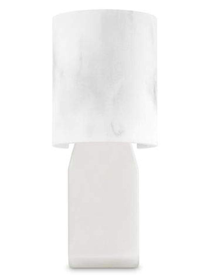 ジャグリング確認姿勢【Bath&Body Works/バス&ボディワークス】 ルームフレグランス プラグインスターター (本体のみ) 大理石風 Wallflowers Fragrance Plug Faux Marble [並行輸入品]