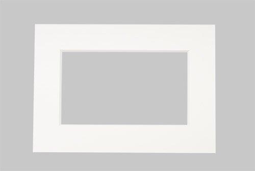 Passepartout Dick 2,1 mm Weiss 50x70 cm mit Ausschnitt für A3 Formate 29,7x42 cm - 1 Stück