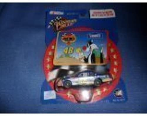 Jimmie Johnson  48 Faiblees Looney Tunes Tweety Sylvester jaune Rookie Stripes 1 64 Scale Diecast With Driver Sticker Winners Circle 2002 by Winners Circle