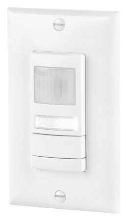 Acuity Lithonia Occupancy Sensor, Sensor Type: Dual Technology PIR/Microphonic, Installation Type: Wall, 2000 sq. ft - WSX PDT NL WH
