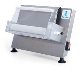 Giotto Maxi Stendipizza Ausrollmaschine Pastaline Die Giotto Ausrollmaschinen wurden für die Verarbeitung von Teigen für Pizza, Brot, dünnes Fladenbrot, Fladenbrote, Kuchen, Samosas, usw. entwickelt