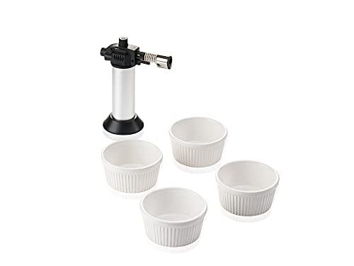 Leifheit 3118 Crème-Brûlée-Set, 4 hochwertige & feuerfeste weiße Keramikschälchen, spülmaschinengeeignet, inklusive Flambierer, mühelos& sicher zu bedienender Gasbrenner, Geschenkset