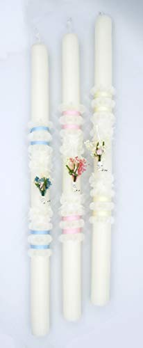 Vela de bautizo en forma cuadrada .POSIBILIDAD DE PERSONALIZACIÓN Vela de bautizo decorada con un pinzado en flor clásico y una cinta dorada, puede ser totalmente blanca o bien pintada en color rosa o azul. (rosa)