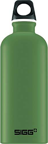 SIGG Traveller Leaf Green Trinkflasche (0.6 L), schadstofffreie und auslaufsichere Trinkflasche, federleichte Trinkflasche aus Aluminium