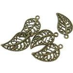 * * énorme Spring Sale. * * 15 x Bronze antique Plaqué en filigrane 'Feuille' Charms. Anneaux inclus pour accessoires. Utilisation universelle pour bijoux, carterie et scrapbooking. (Ref : 1e50)