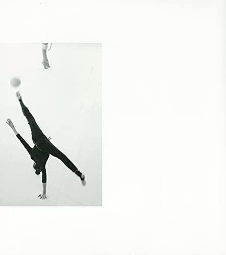 ラ・ゴロンドリーナ;飛翔する少女 川津英夫写真集