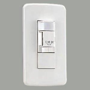 HV16738 人感センサー