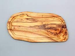 Darido Tabla de cortar de madera de olivo con ranura, 40 cm
